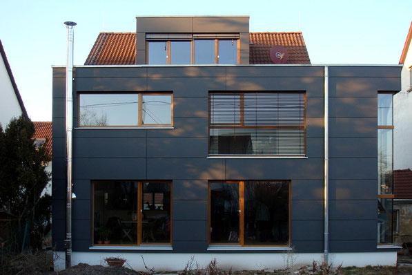 architekturbuero_waessa_modernisierung_einfamilienhaus_stuttgart_weilimdorf_ansicht_garten_anbau