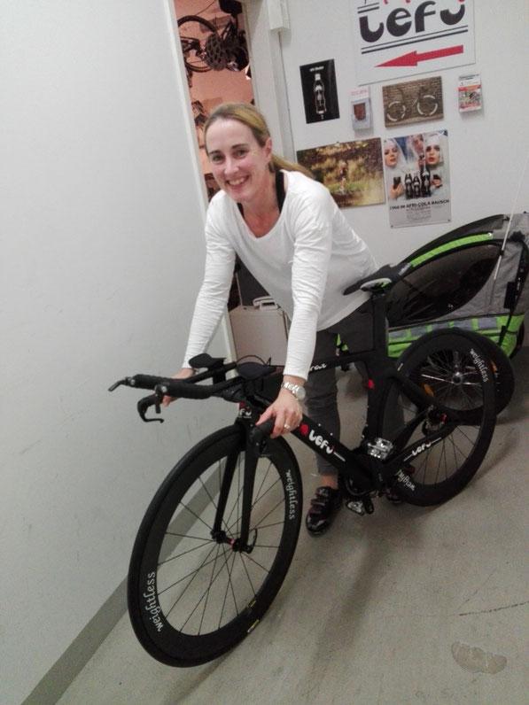 Im Lefi Design mit weightless-wheels. Eines der schnellsten bikes!