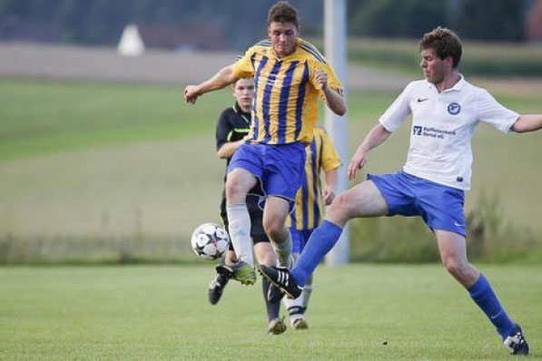 Sießen (Nikolai Ertle, links) gelang gegen Thomas Luppold und den SV Erolzheim in der ersten Runde des Bezirkspokals ein überraschender Sieg. Volker Strohmaier