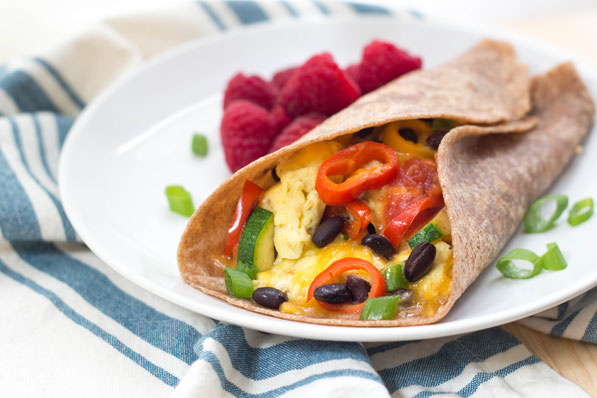 These easy egg burritos with sweet peppers, zucchini, and black beans are the perfect  protein-packed, flavorful, and fun healthy breakfast-on-the go!  #AD