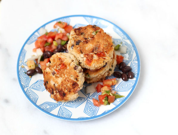 These easy, healthy Southwestern tuna cakes are the perfect make-ahead freezer-friendly recipe the whole family will love for lunch or dinner!