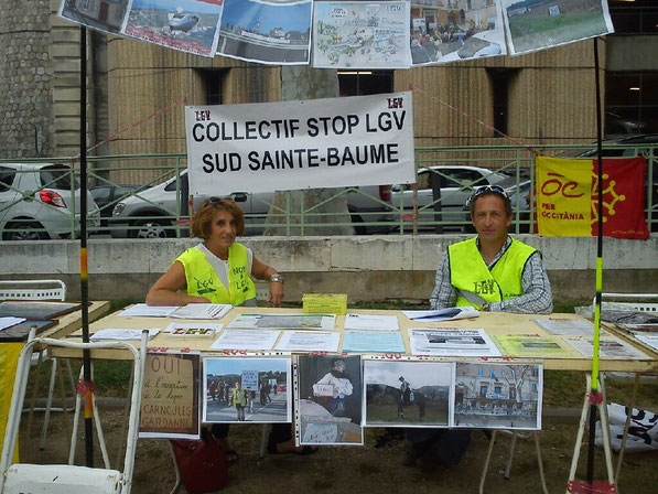 Le stand du Collectif