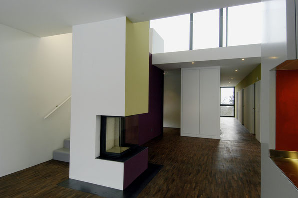 Neubau EFH Hööracker, Hallau I zentrale Feuerstelle