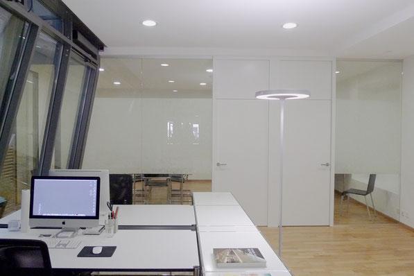 Büro Oberstadt, Schaffhausen I Raumunterteilung mit Glastrennwand und Holzrahmentüren