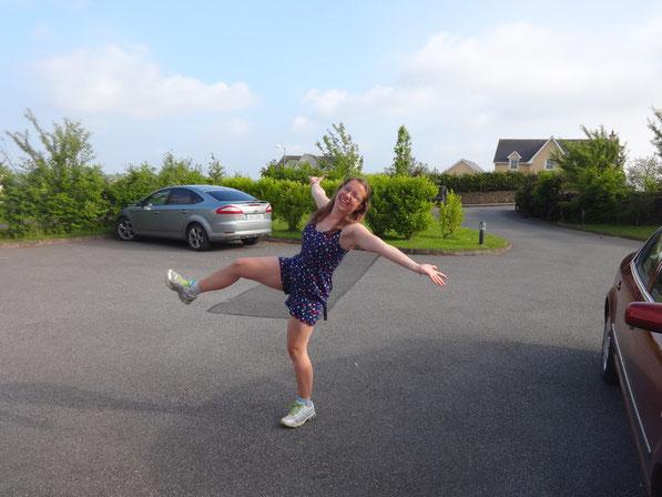 Schick oder? Mein neues  Kleid und Joggingschuhe :)