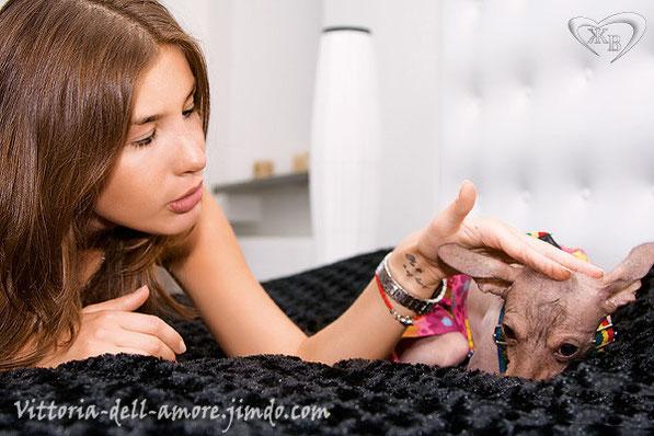 Кети Топурия и ее хохлатка Кити