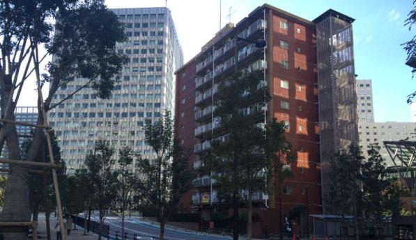 東京都品川区のマンションが立ち並ぶ街の風景