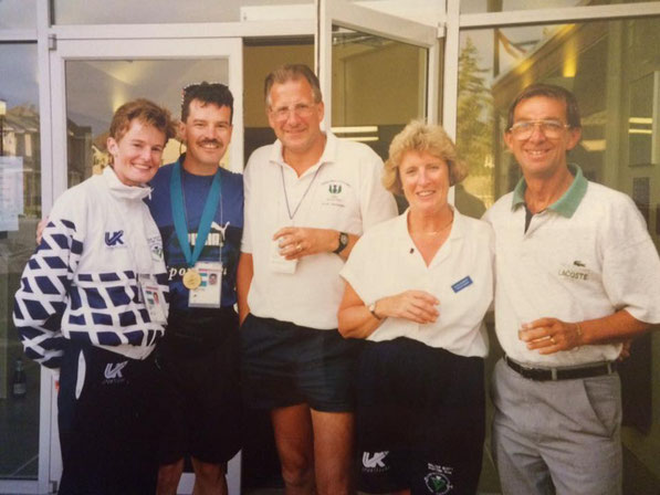 Bob Sommerville (right) celebrating with Yvonne Murray and Scotland coaching staff at Victoria in 1994. Thanks to Tom Mooney for the photograph.