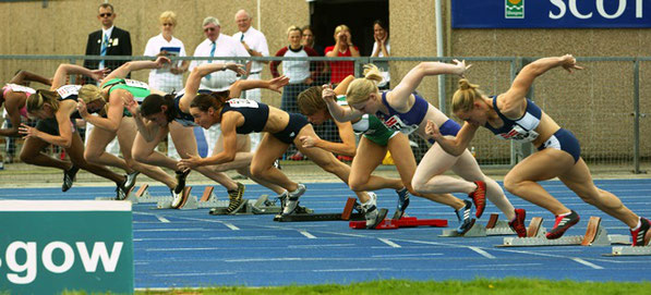 The start of the 100 metres - Scotstoun 2004