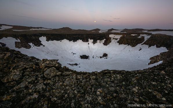 Volcano, Kollóttadyngja, pit, crater, rim, moon, Snow, Ódáðahraun, Odadahraun, Lava, Iceland, Island, shield