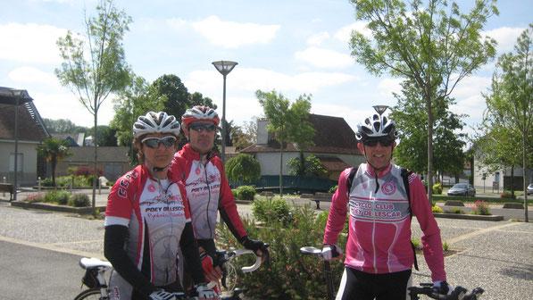 Presque 100 kms au compteur sur un circuit bien vallonné... et quelques crampes pour Cécile au retour !