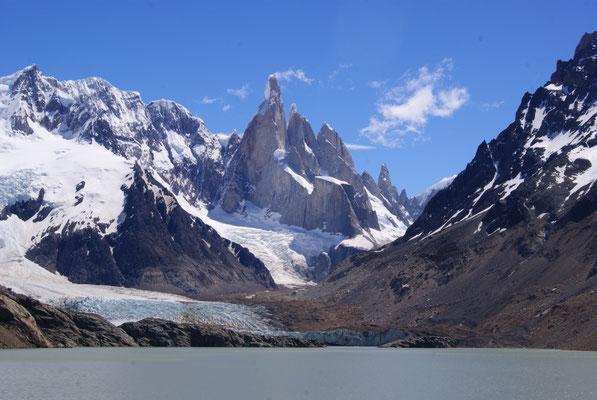 Cerro Torre von der Laguna Torre aus