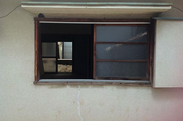 ロクロ場前の窓