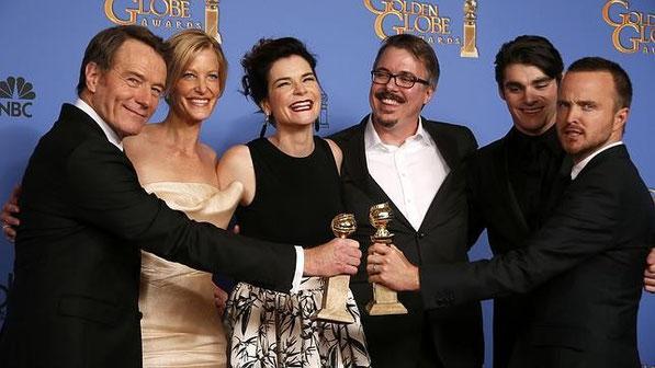"""Equipo de """"Breaking Bad"""" con sus Globos de Oro. Fuente: Reuters"""
