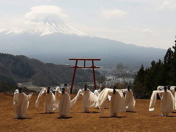 2019年4月に執り行った河口浅間神社富士遥拝所でのご奉納