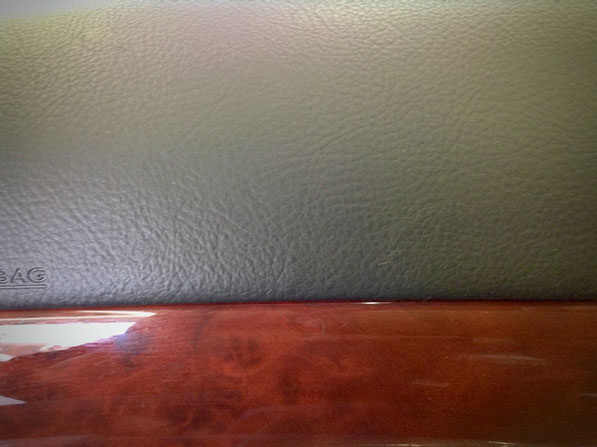 レスサスLSのインストルメンタルパネル・ダッシュボードの劣化補修・テカリ、ネバネバ、傷、破れ、擦れ、トータルリペア ラディックス 松戸市