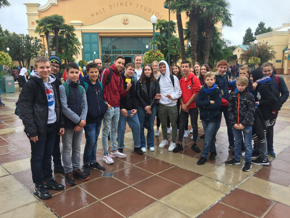 Le retour en 2019 : les jeunes de Dannstadt-Schauernheim à Eurodisney avec nos jeunes de Bétheny.