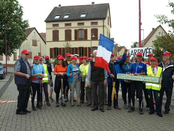 L'arrivée des marcheurs à Dannstadt-Schauernheim en mai 2016