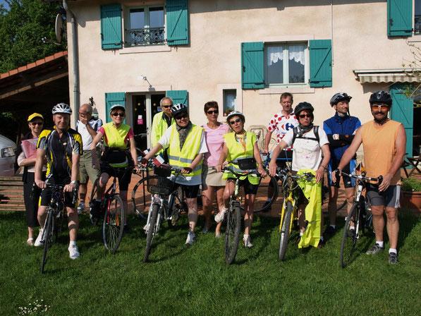 Le groupe au départ de l'étape Gussainville-Pontigny.