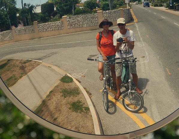 inseln Erkunden auf zwei Rädern:   Grand Cayman Island, 2014