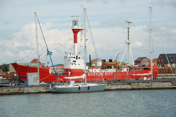Im Innenhafen der Insel Borkum  Aug. 2007