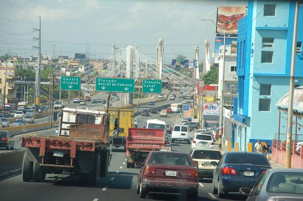Auf der Autopista Richtung Santo Domingo