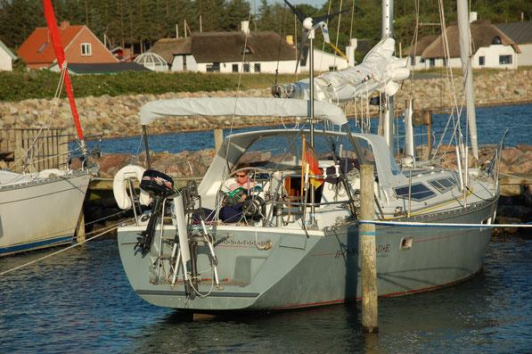 Limfjord: Im winzigen Hafen von Venoe / DK    ( 54 Inselbewohner )