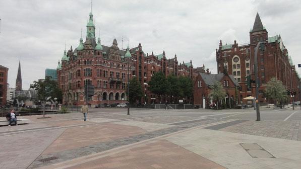non loin du port: quartier de la Speicherstadt