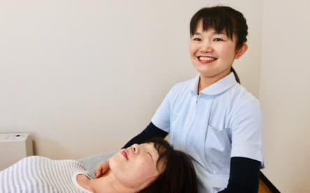 大分別府頭痛専門ここまろ調整院は手だけの優しいタッチで頭痛改善していきます。