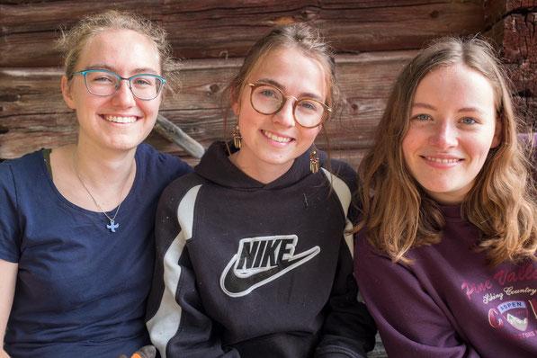 Clarita ging voller Freude durch die letzten neun Monate (v.l.: Sonja, Clarita, Klara)
