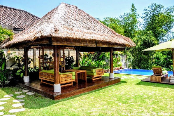 Pererenan villa for sale with 3 bedrooms and a view over the rice paddies