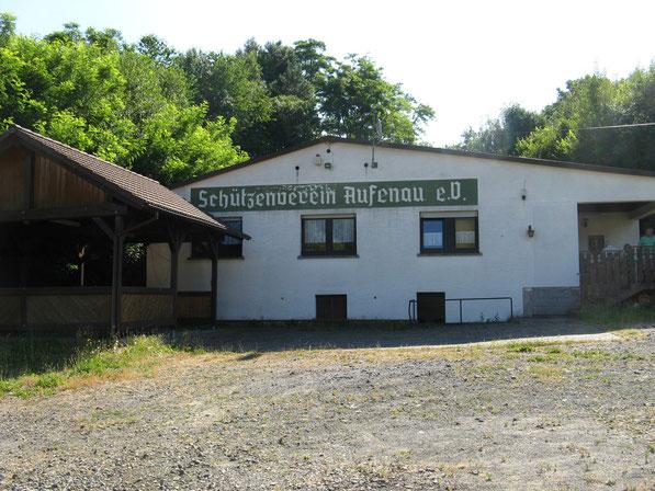 Vereinsheim mit Grillhütte