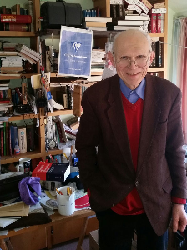 Dr. Johann-Georg Raben in seinem Studierzimmer in Veldhausen 2016 - Foto Udo Wohlrab, Nordhorn