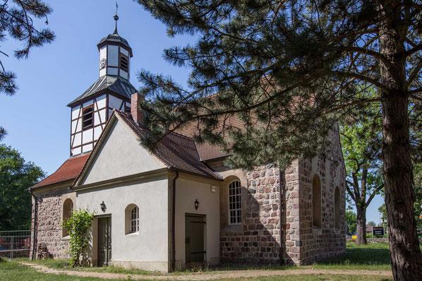 Dorfkirche Blankenfelde. Foto Lutz Röhrig für Märkische Allgemeine Zeitung.