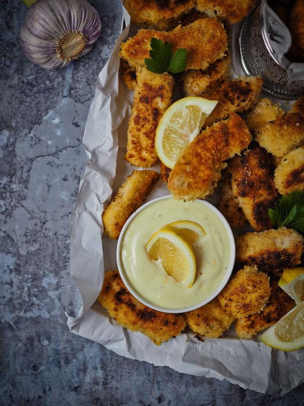 Knusprige Chicken Nuggets mit Zitronen-Mayonnaise