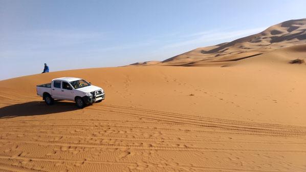 モロッコ/サハラ砂漠4WD車