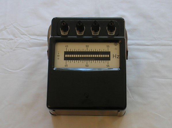 EAW Elektr. Werk Treptow DDR  Zungenfrequenz Messgerät  von 1962