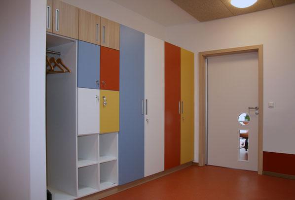 Schreiner-Einrichtung, Möbelherstellung für Kindergarten