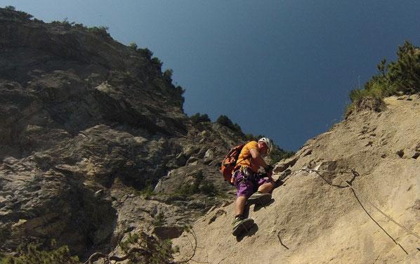 Person auf Klettersteig
