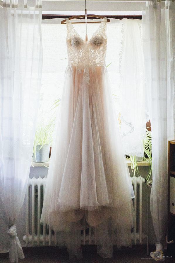 Wunderschönes Hochzeitskleid Rosé in Bremen / Fotografin: Anne Hufnagl