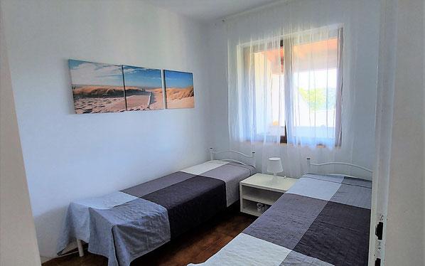 Green apt. - bedroom 2 single beds - Belvedere apartments Izola