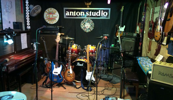 上野アントンスタジオのステージ