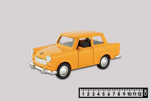 Das Bild zeigt ein Trabant Modellauto im Maßstab 1 zu 39. Es ist 12 Komma 5 Zentimeter lang.