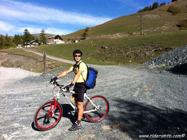 dopo aver percorso gran parte della Val Trocea ci inerpichiamo sulle vere fatiche odierne....prima meta Col del Pys