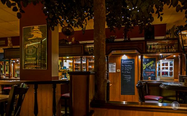"Lokal ""Marienfelder Mühle"" Blick zur Bar"