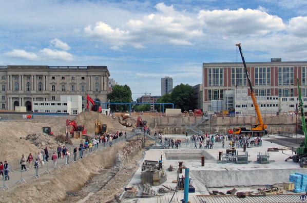 Das Berliner Schloss in Mitte. Grundsteinlegung.