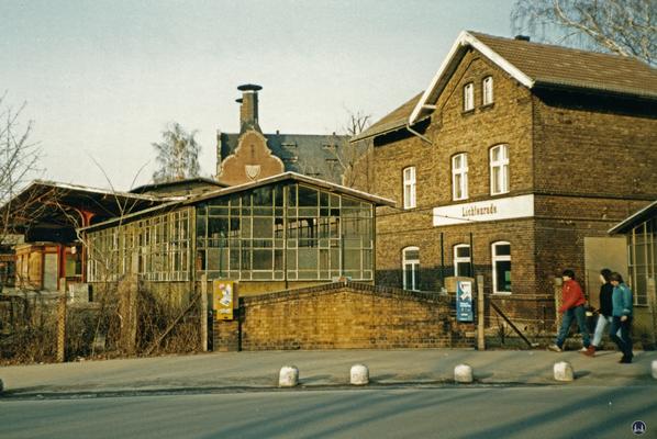 Der Bahnhof Lichtenrade. Der Bahnhof im Jahr 1984.