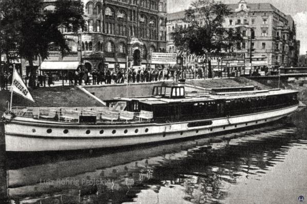 Anlegestelle Kottbusser Brücke in den frühen dreißiger Jahren.