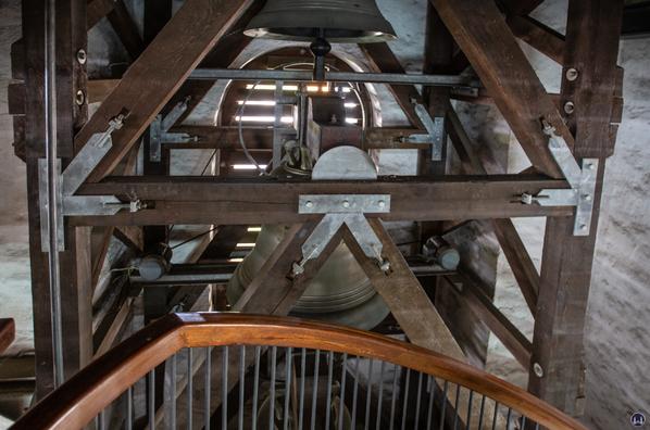 Blick auf den Glockenstuhl.