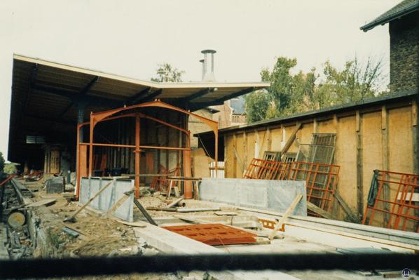 Der Bahnhof Lichtenrade. Restaurierung des Schutzhäschens am Bahnsteigende 1984.